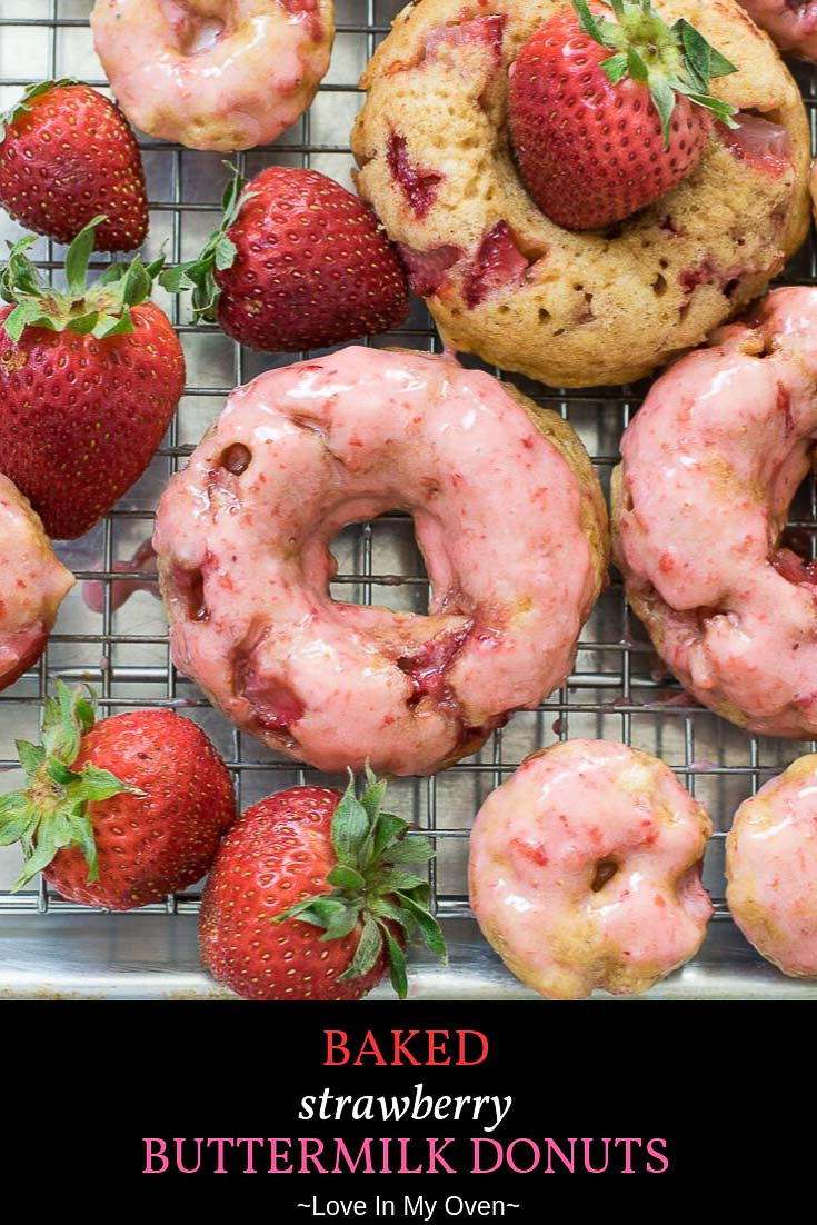 You will LOVE these baked strawberry donuts made with buttermilk and fresh strawberries. The strawberry glaze icing recipe is so easy and the perfect topping to strawberry donuts! // strawberry donuts // baked strawberry donuts