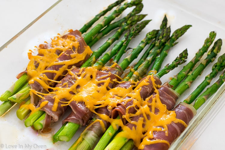 proscuitto wrapped asparagus bundles