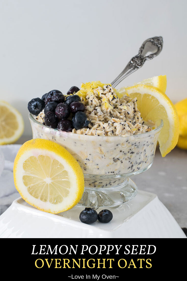 Save some time in the morning with these sunshine-filled sweet and tangy lemon poppy seed overnight oats! This lemon overnight oats recipe is the best overnight oats! // overnight oats recipes