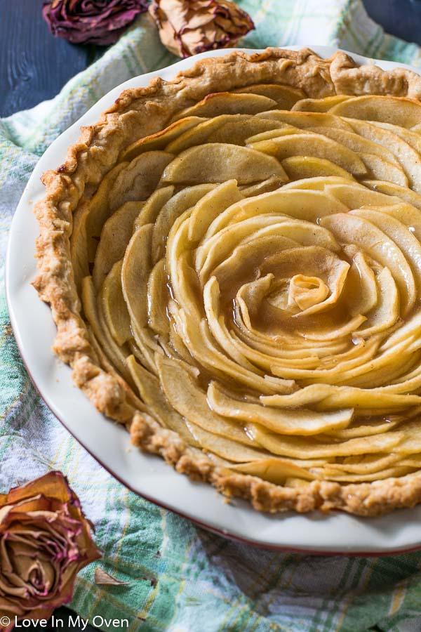 salted caramel apple rose pie