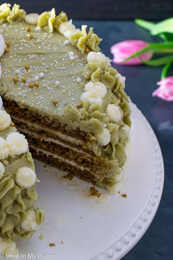 matcha vanilla cake