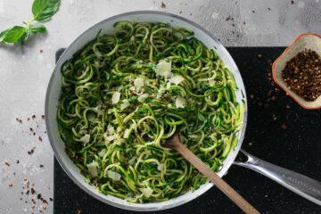 almond pesto zucchini noodles