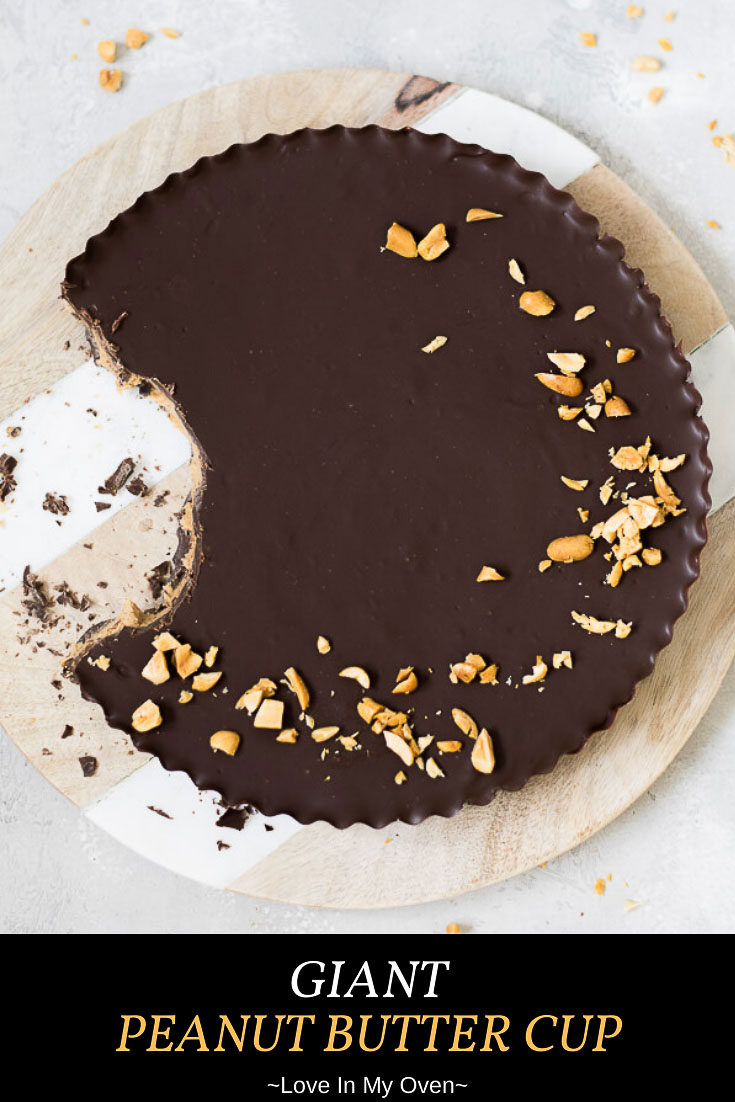Reese\'s peanut butter cup lover? You will GO CRAZY over this giant peanut butter cup! It\'s a three ingredient dessert that you\'ll be making again and again! // chocolate and peanut butter tart // chocolate peanut butter pie